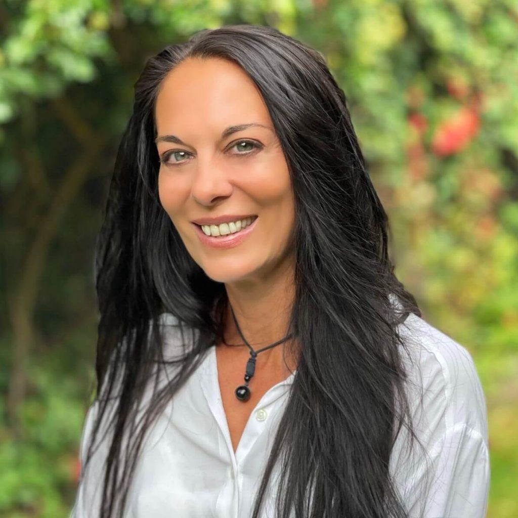 Nicole Antoniou Consultant